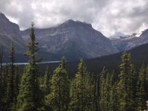 Banff big mountains1