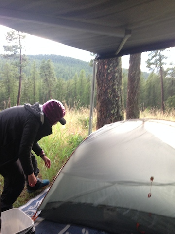 hiker setting up tent.jpg