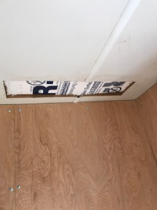 sealing-a-fridge-vent