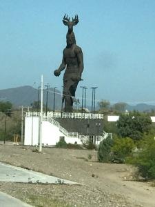 yaqui sculpture mex highway