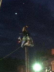 pole climb2