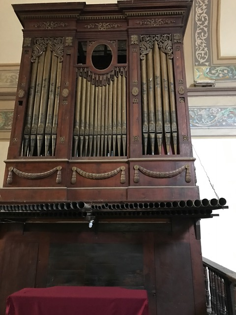 the old old organ.JPG