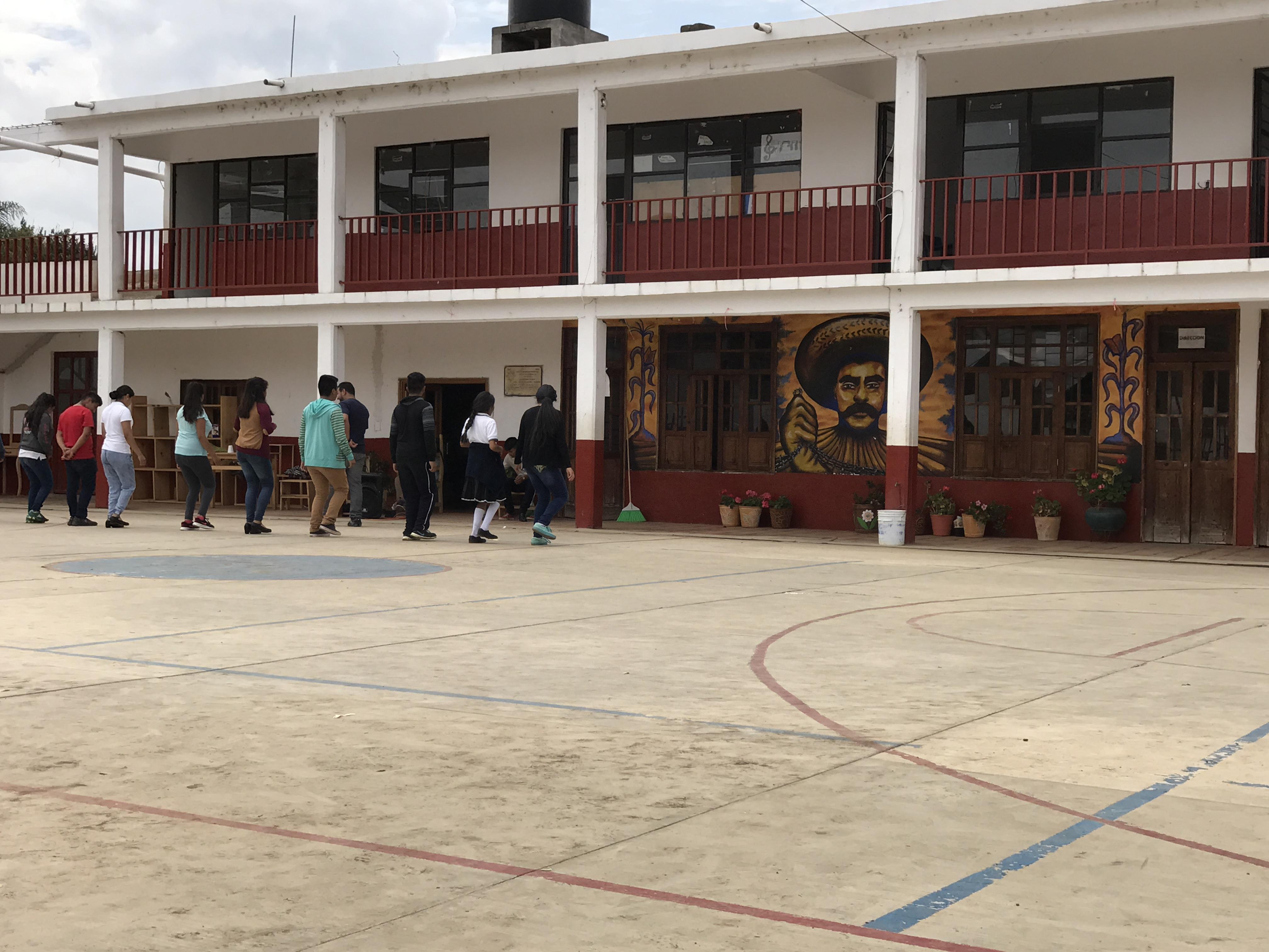 zarahuen dance class.JPG