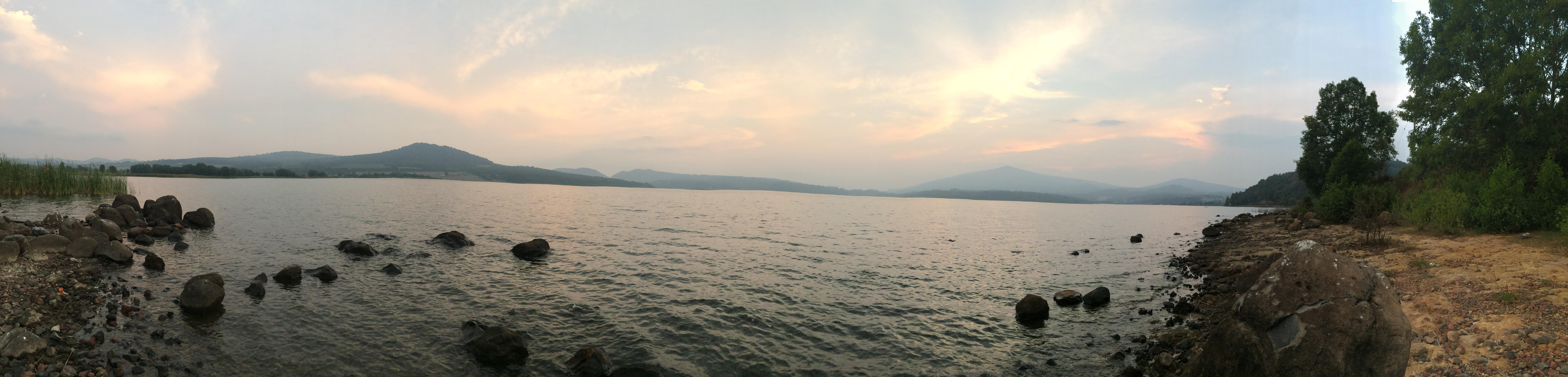 zirahuen panorama.JPG