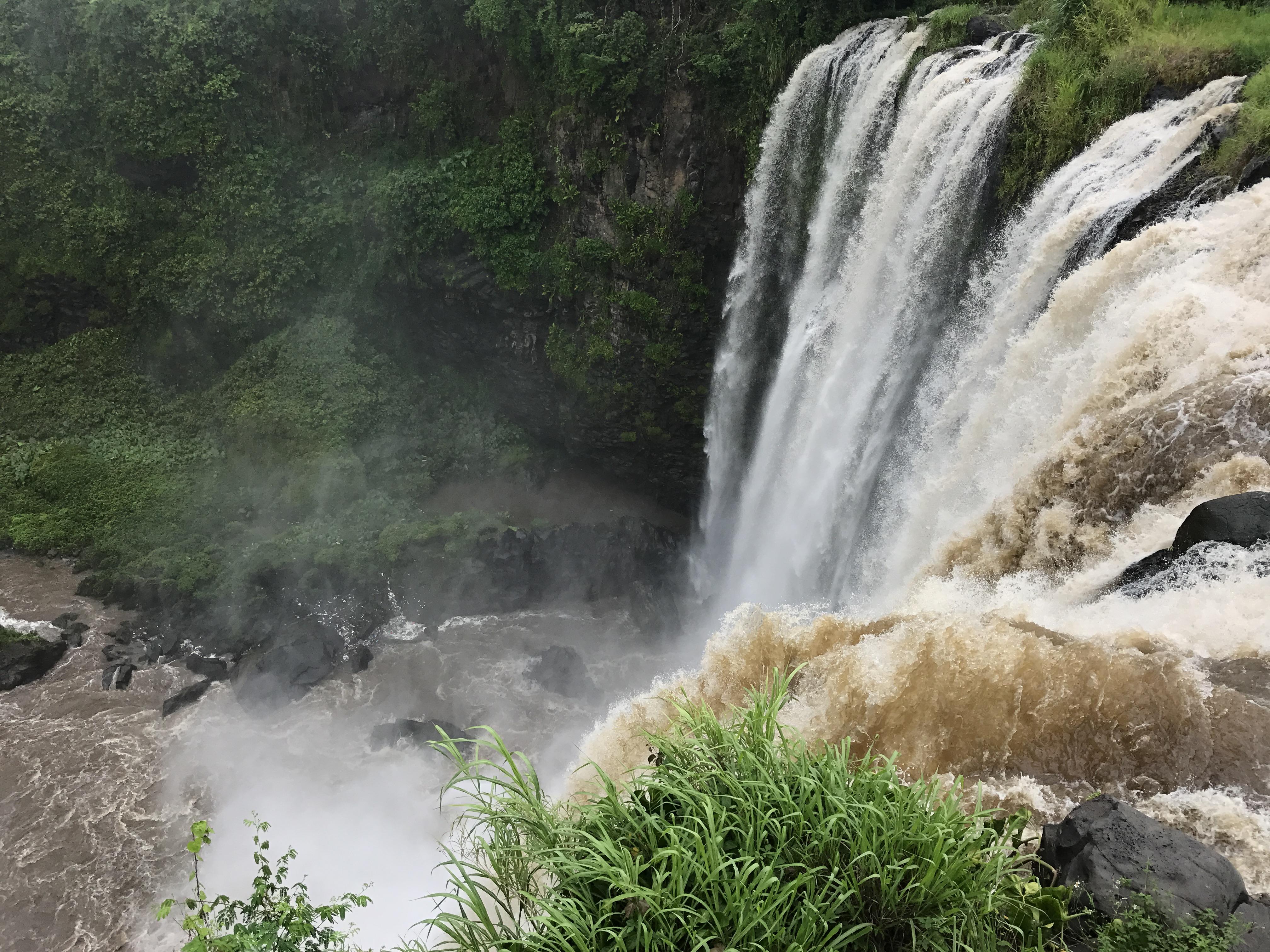 catemaco waterfall.JPG