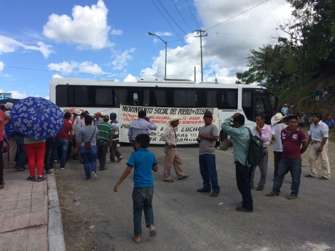 blockade bus