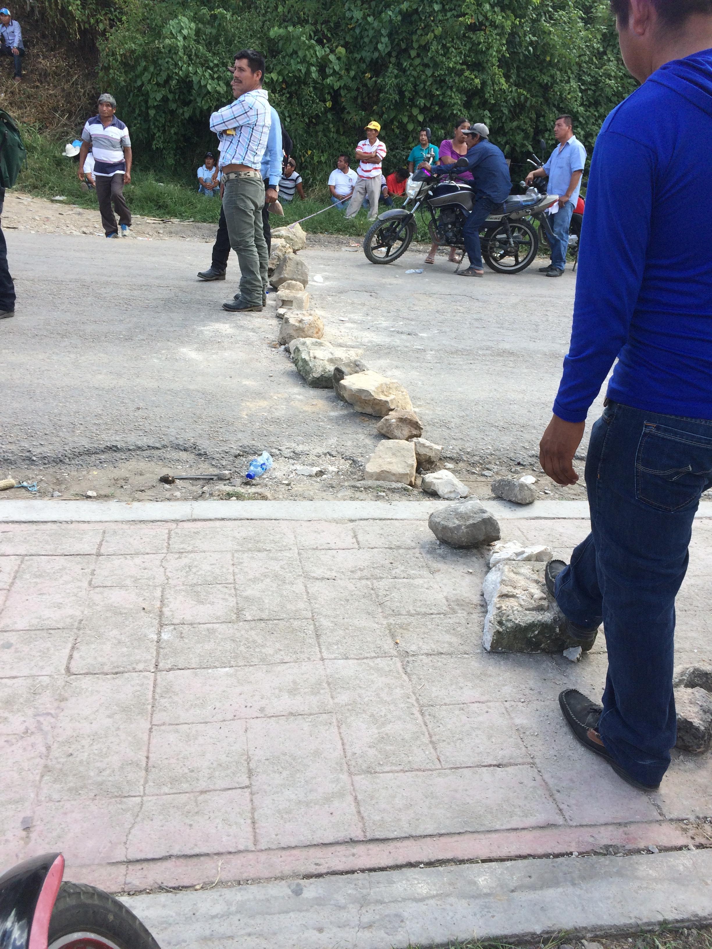 blockade rocks