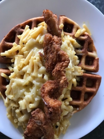 mac and cheese waffle with chick nug.jpg