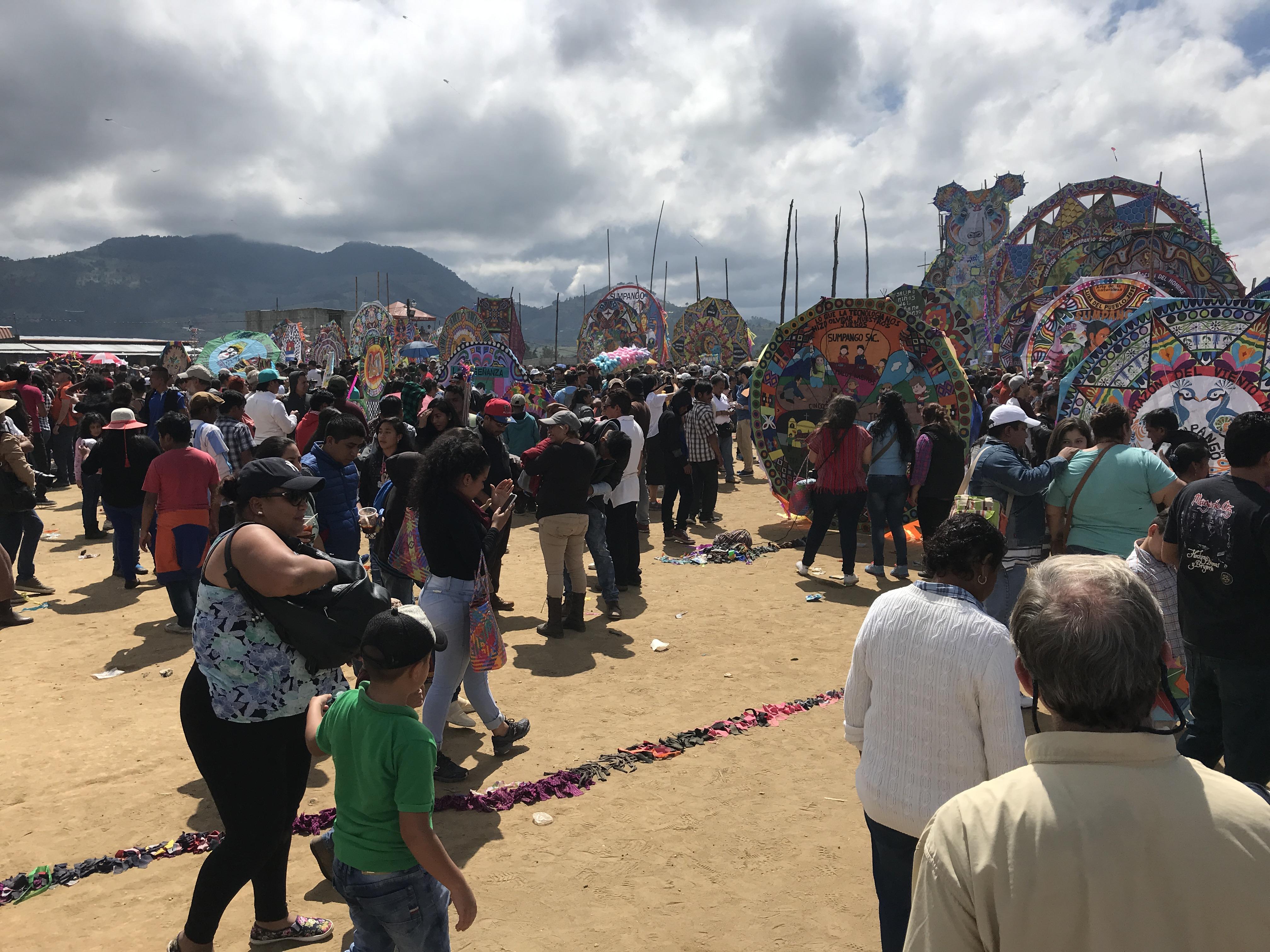 kite crowd2