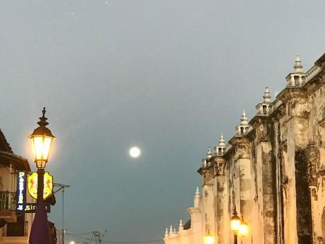 leon full moon.jpg