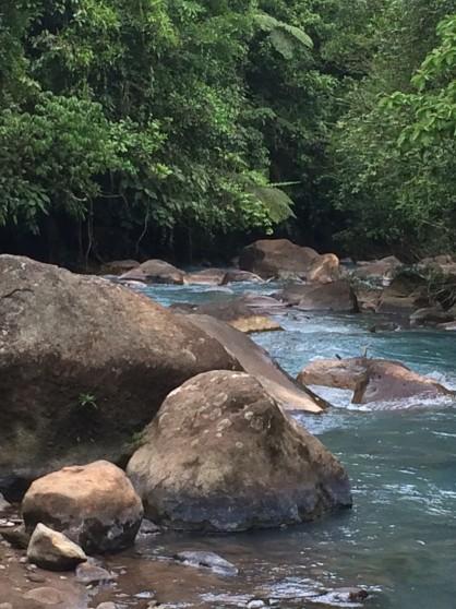 rio celeste rocks