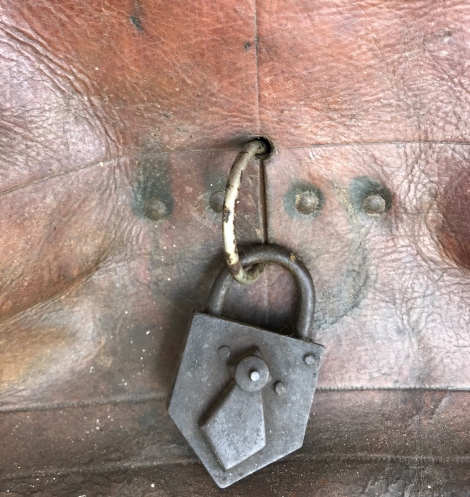 saddlery lock
